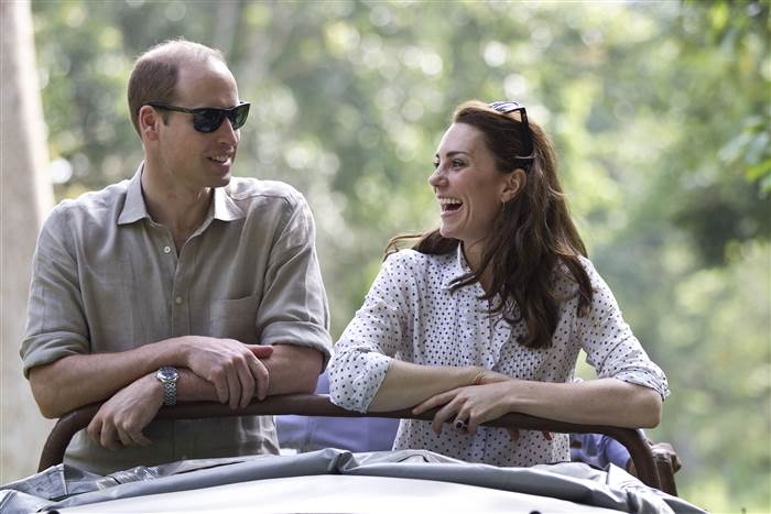 kate-william-anniversary-today-160425-india-01_f859c1a8ade8107e38c5262e1387f104.today-inline-large.jpg